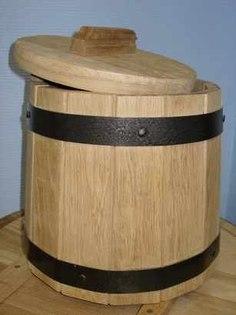 Делаем заготовки – капуста, квашеная в деревянной кадке