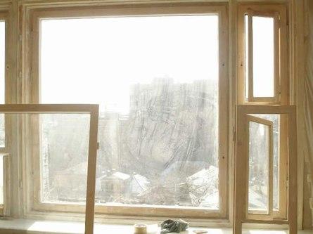 Сравнение пластиковых и деревянных окон старой конструкции