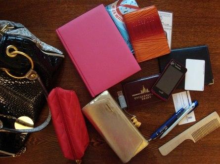 Как навести порядок в женской сумочке: полезные советы