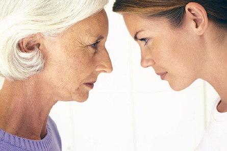 Как молодой маме общаться со свекровью без конфликтов