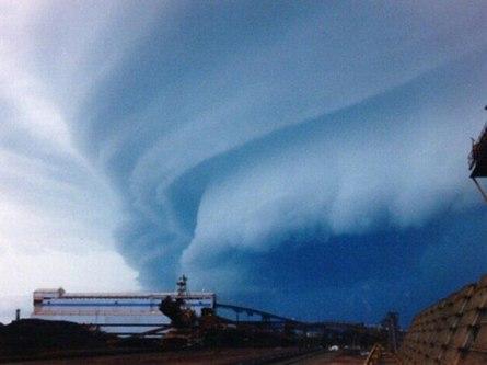 Что делать, если ураган или смерч застал врасплох