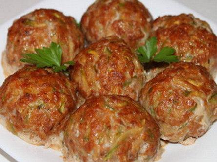 Фрикадельки из индейки с мятой и сушеной вишней