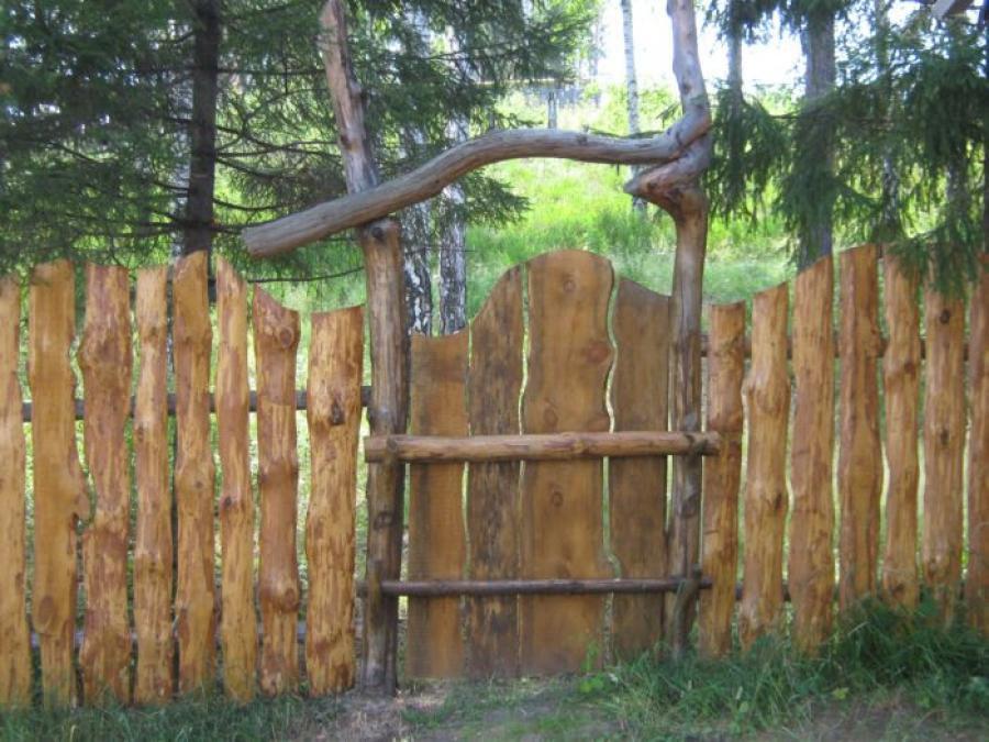 Как сделать забор своими руками из горбыля