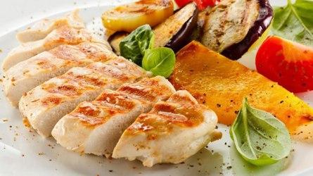 Красная рыба с синенькими (с баклажанами)