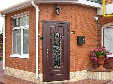 Конденсат на металлической входной двери частного дома - почему и как устранить