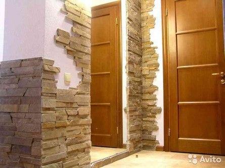 Как задекорировать стены дома камнем