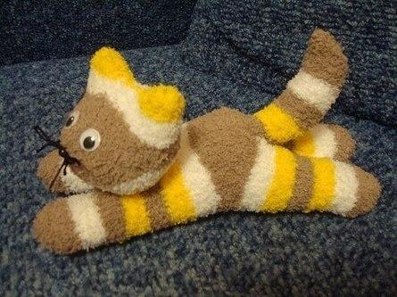 Детские игрушки своими руками: котята из носков