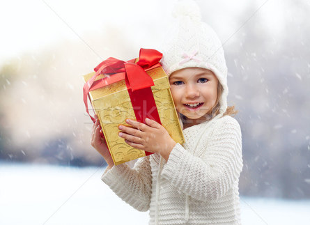 Что стоит и что не стоит дарить ребёнку на Новый год