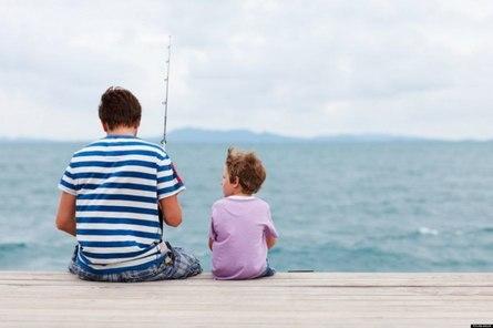 Зачем папам сидеть с детьми