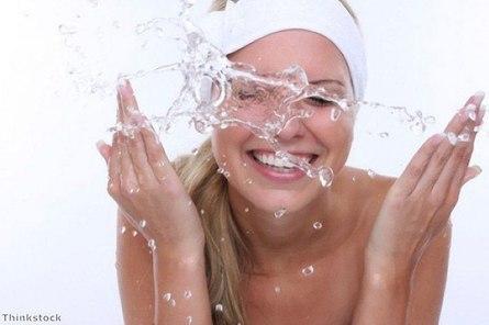 Как девушкам сохранить свою кожу чистой?