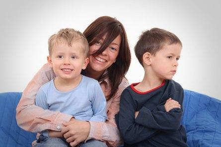 Детская ревность – результат родительских ошибок