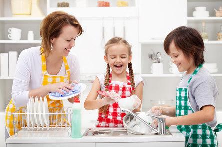 Как правильно распределять дела в семье с детьми