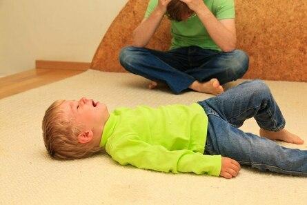 Если ваш ребёнок устраивает истерики: что делать