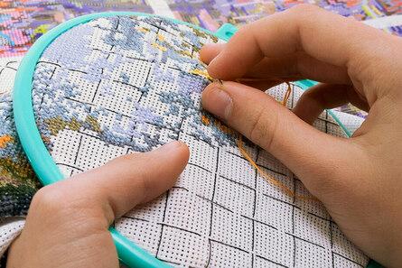 Как научить ребёнка вышивать